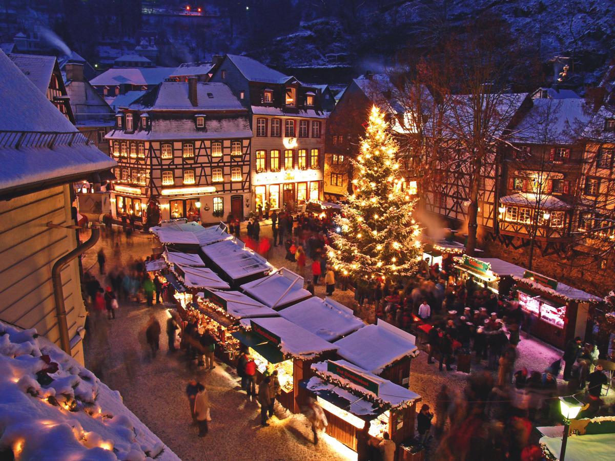 Weihnachtsmarkt Schloss Merode.Weihnachtsmärkte Budenzauber In Der Euregio Shoppingtipps Für Die